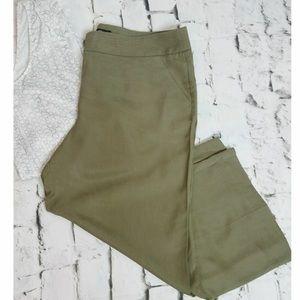 NY and CO olive green wide leg Capri